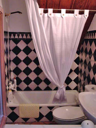Rez de chaussée: Salle de bains
